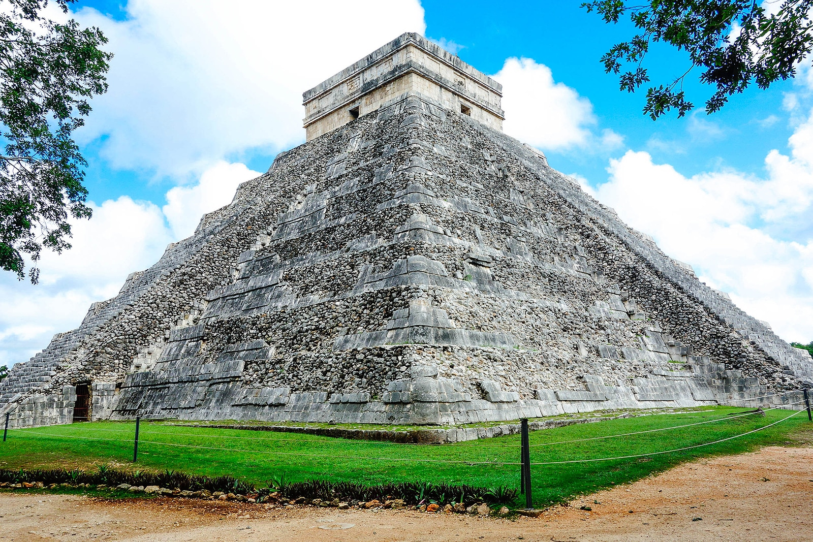 Mayan Temple of Kukulkan (El Castillo), by Booking Express Travel